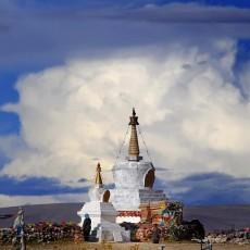 TIBET: campo base everest   wildlife safari viaggi individuali tibet paesi himalayani