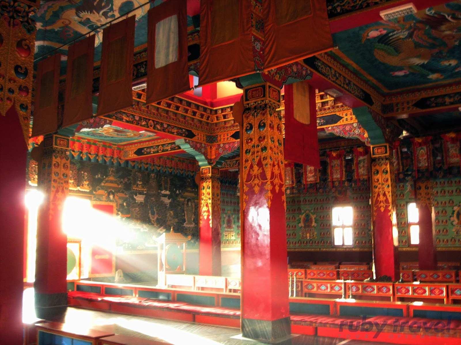 Tibet E Sichuan Ruby Travel Viaggi 100 Tailormade