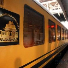 INDIA IN TRENO: Royal Rajasthan on wheels, perle del nord   subcontinente indiano nord india barche treni