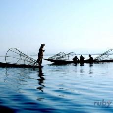 BIRMANIA: terra doro   viaggi individuali tipologia viaggio etnie e tribu estremo oriente birmania archeologia