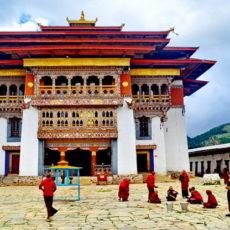 BHUTAN con guida in italiano   viaggio ruby group siti unesco partenze garantite 2 paesi himalayani nepal paesi himalayani homepage post himalaya festivals eventi bhutan archeologia